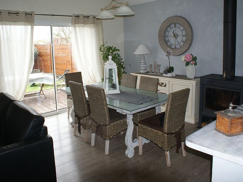 MAISON INDIVUELLE 90M², holiday rental in Le Temple