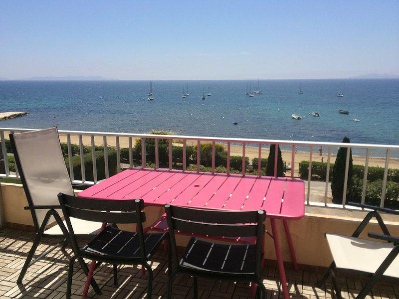 superbe vue sur mer et accès a la plage direct, vacation rental in La Londe Les Maures