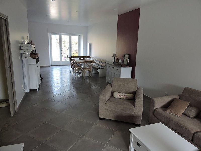 Gîte spacieux et calme classé 4 étoiles meublé de tourisme, holiday rental in Nouart