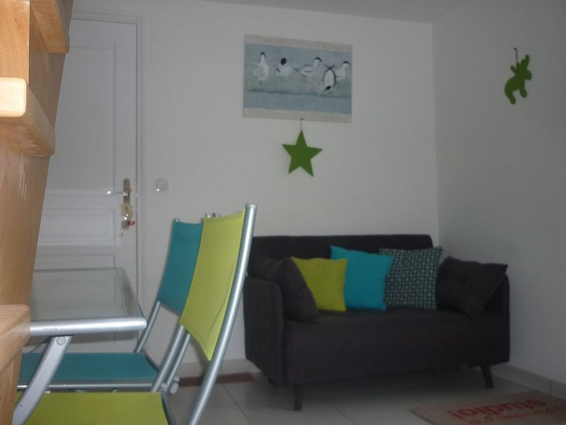 Coquet new duplex apartment with terrace and independent, the Gulf of Morbihan, holiday rental in Plescop