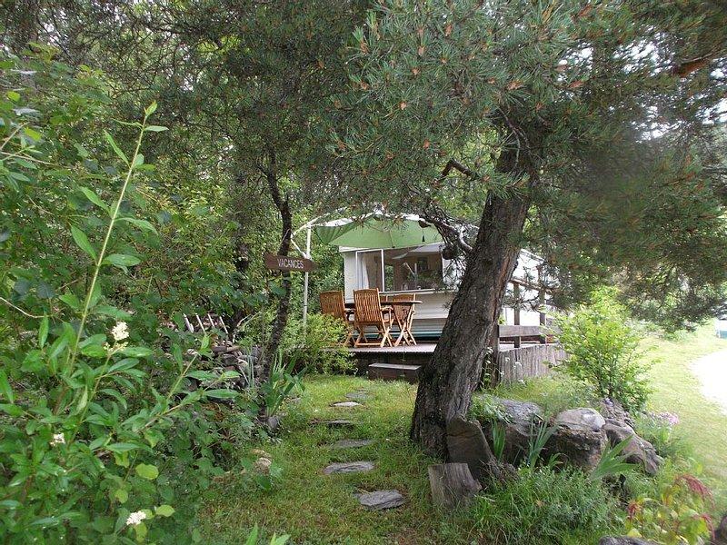 Mobilhome dans propriete a la montagne a barcelonnette, location de vacances à Jausiers