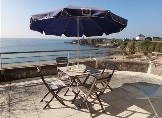Appartement 2/4 personnes - au bord de la plage, holiday rental in Clohars-Carnoet