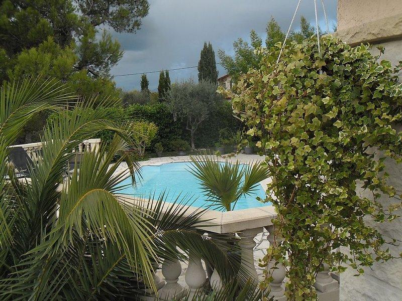 CHARMANTE VILLA  A 15MN DE NICE AVEC PISCINE ., location de vacances à Alpes Maritimes