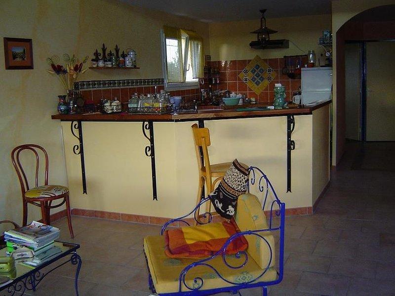 Au calme dans un village, proche tous loisirs, Festival, aluguéis de temporada em Nezignan-l'Eveque