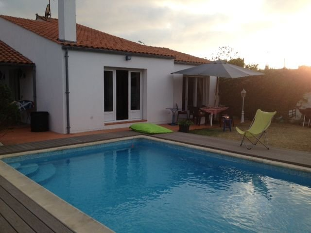 location de villa avec piscine, Ferienwohnung in Saint Vivien