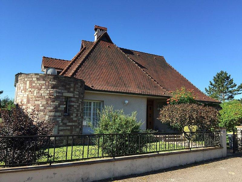 Maison tout confort 5 mn centre-ville à pied, idéale pour curistes et sportifs., vacation rental in Haute-Saone