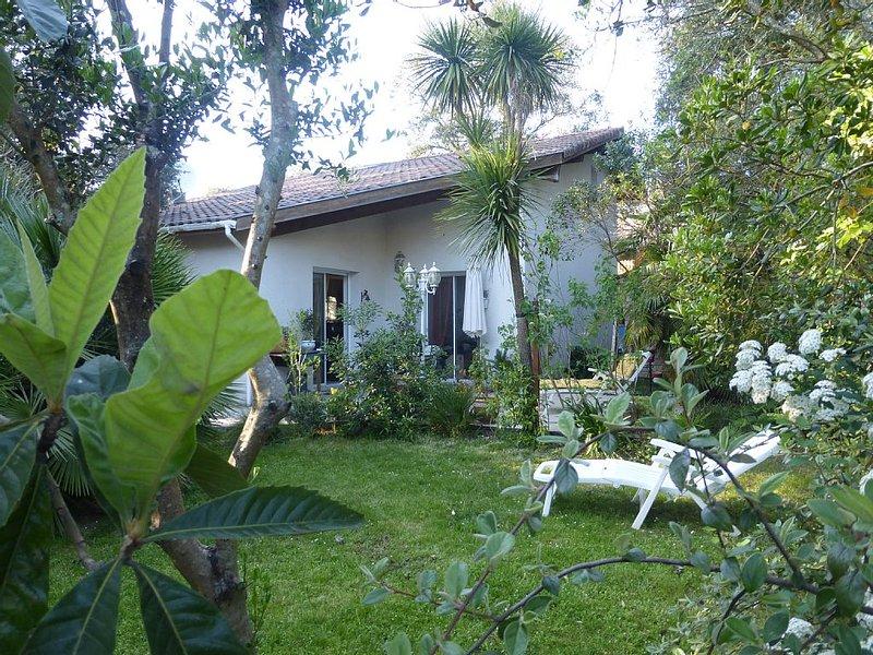 Belle villa Spacieuse 120m2, arborée à 5min de l'océan et 100m forêt landaise, location de vacances à Labenne