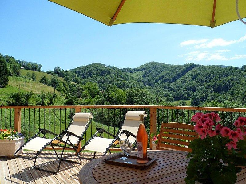 Le Coucou Gîte, Gîte de charme à Rivèrenert calme absolue et vue sublime, holiday rental in Rimont