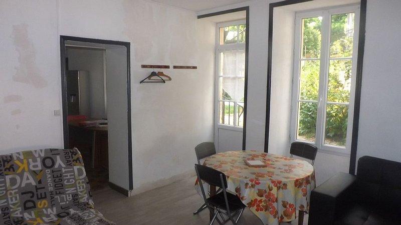 APPARTEMENT AU PORTE DU MARAIS POITEVIN (NAUTISME-CULTURE-HISTOIRE), vacation rental in Vendee