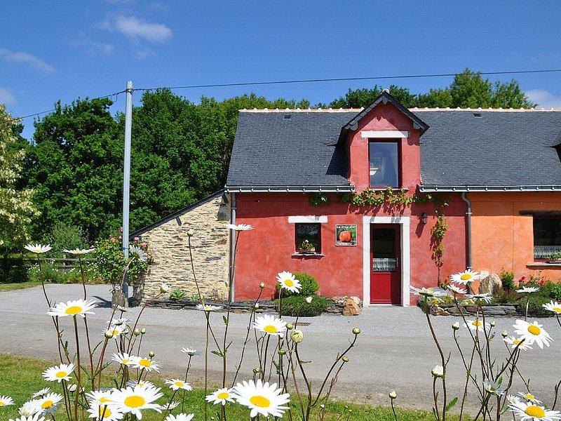 Petit gîte 2 p au calme en pleine nature entre Guémené Penfao et Grand Fougeray., casa vacanza a Saint-Just
