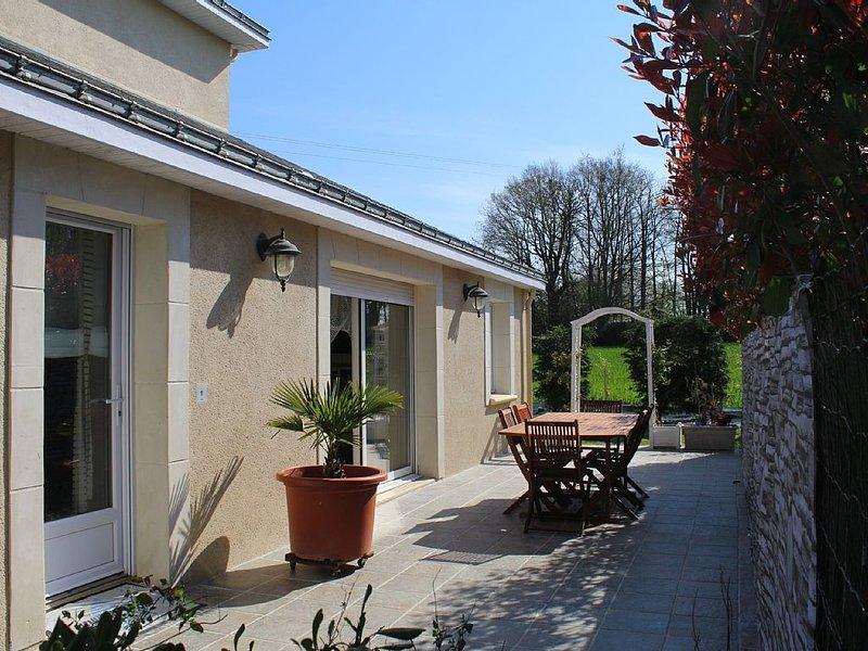 Gîte moderne et tout équipé pour 4 personnes dans la douceur angevine, holiday rental in Saint-Aubin-de-Luigne
