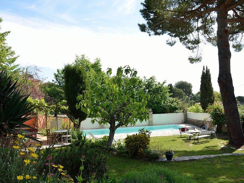 Charming small apartment next to a farmhouse, location de vacances à Tourrettes-sur-Loup