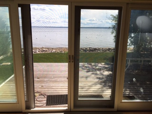 Beautiful Pigeon Lake Front Property for Rent, holiday rental in Westerose