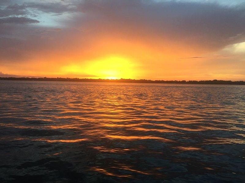 Lake House on Lake Placid, Florida  - Beautiful Sunset Views, location de vacances à Lake Placid