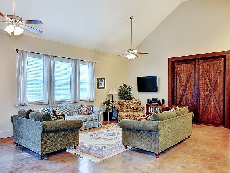 Lake Texoma Family Getaway, GREAT for large groups and kids. 'Wonderful Escape!', holiday rental in Pottsboro