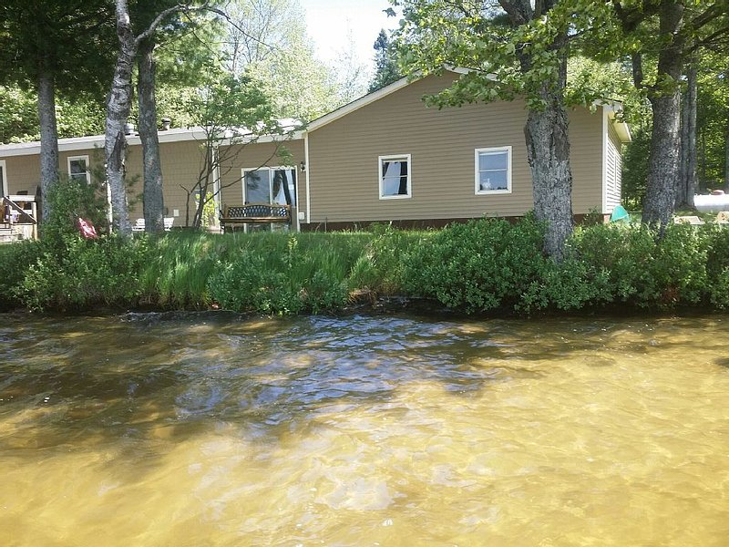 Pristine Lakeside Home.  A great all-season getaway!  Boating & Snowmobiling, holiday rental in Little Lake