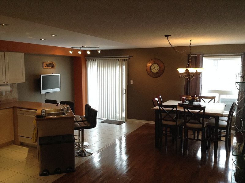 Beautiful Spacious Home, vakantiewoning in Markham
