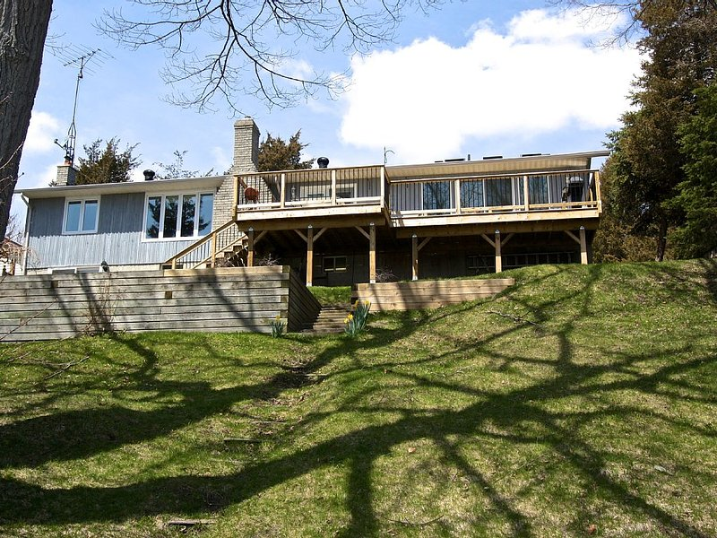 Bright Sky, Sheba's Island near Sandbanks, Prince Edward County, holiday rental in Consecon