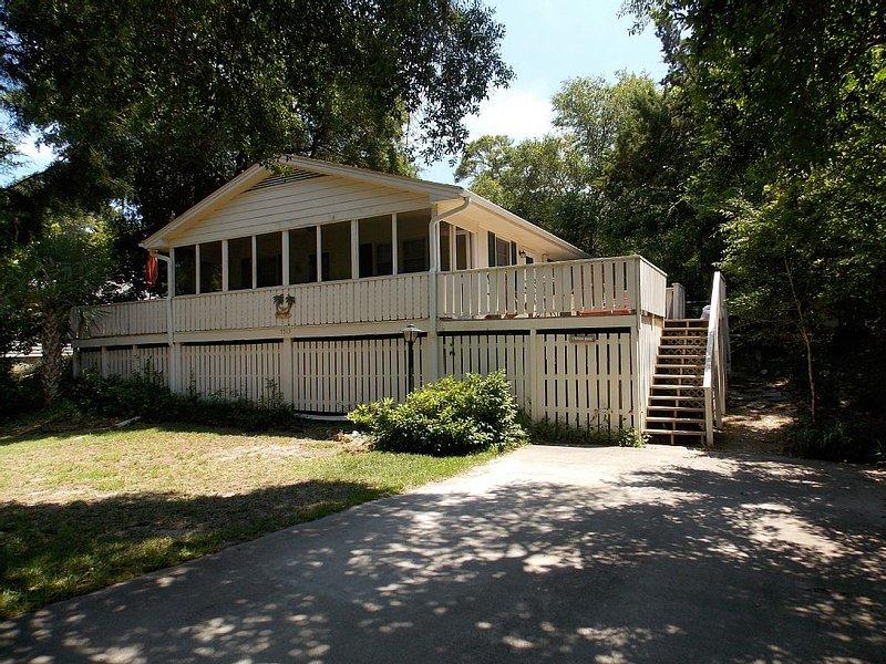 Palm Cottage- Summer weeks open! Flexible cancellation policy, alquiler de vacaciones en Emerald Isle