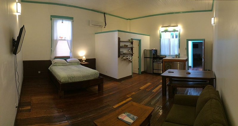 Blu-Buck Mercantile Hotel Apt. B, alquiler vacacional en Coffeeville