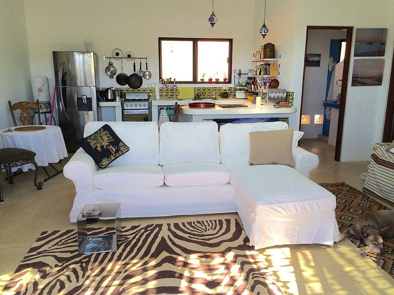 Artist Designed One Bedroom Casita, aluguéis de temporada em Playa Cerritos