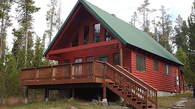 Secluded cabin get away! Rest/Relax, fish, boat, hike, bike, ATV, Yellowstone., aluguéis de temporada em Island Park
