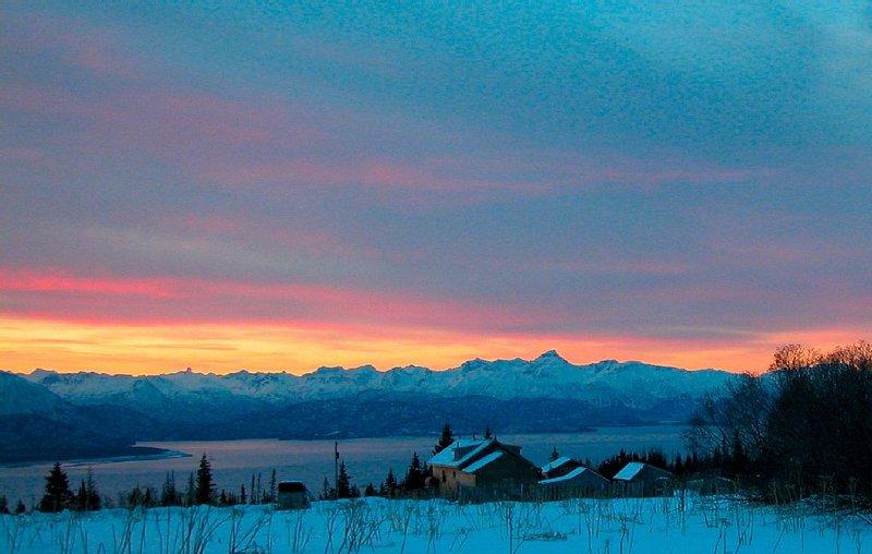 Husky Ranch-Glacier & Bay Views! Charming Home-Gentle Wilderness--Serenity, holiday rental in Fritz Creek