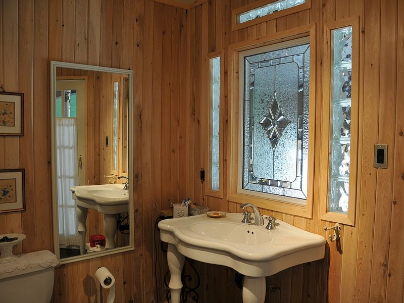 Cozy warm Bathroom