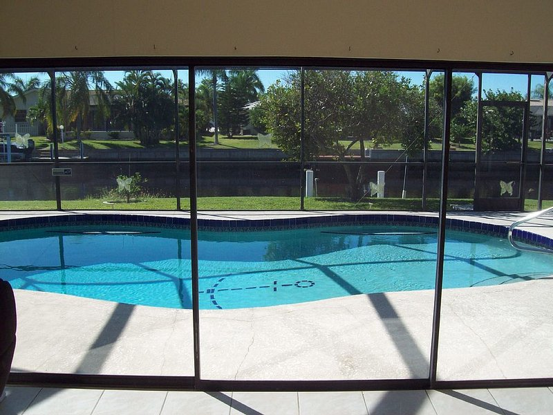 Affordable luxury pool home on deep water canal., casa vacanza a Punta Gorda