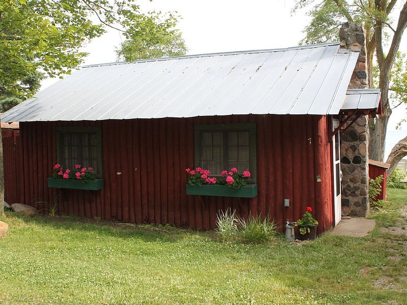 Lightkeepers Vintage Cottage 7, holiday rental in Port Austin