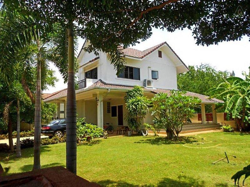 Tropical Seaview Villa, Pranburi, Hua Hin, vacation rental in Pranburi