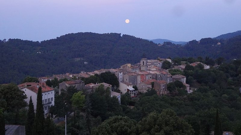 600 Year-old House with Spectacular View in the Heart of Medieval Village, holiday rental in Claviers