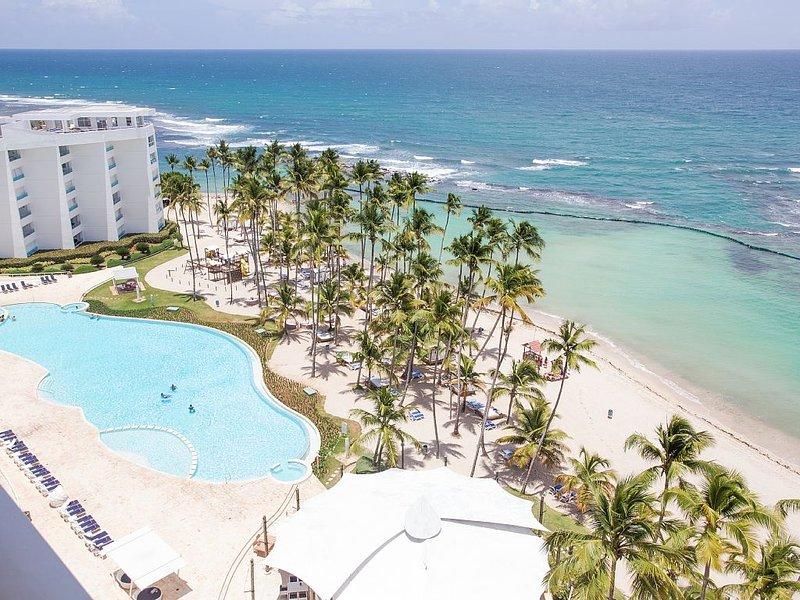 Marbella Beach Front Apartment, 2 BR, 2 BA, Sea And Pool View, holiday rental in San Pedro de Macoris