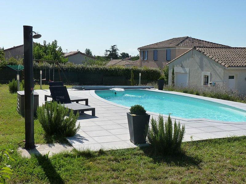 Studio indépendant dans villa avec grand jardin et piscine, Ferienwohnung in Salles-sur-l'Hers