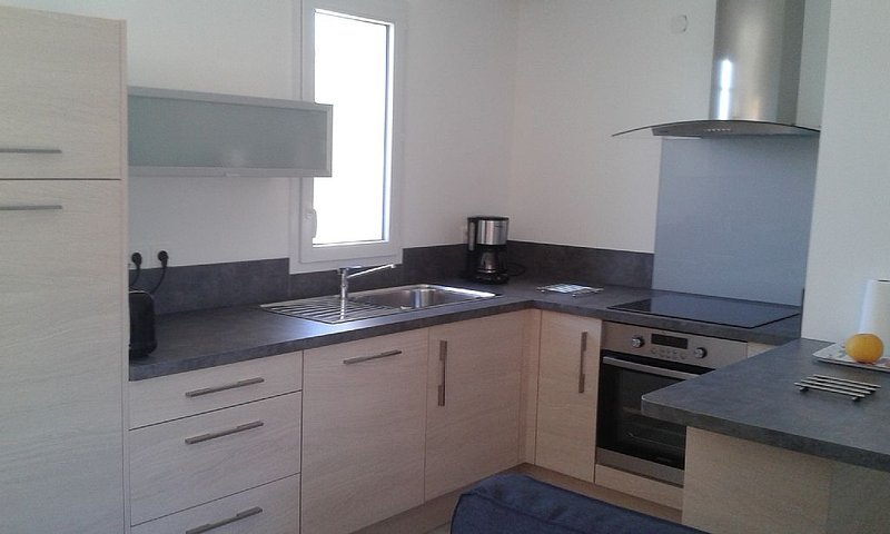 Appartement T2  35m2  avec 2 terrasses, vacation rental in Le Pradet