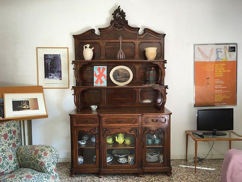 Cozy elegant historic house, air conditioned, in excellent location near Rialto, aluguéis de temporada em Cannaregio