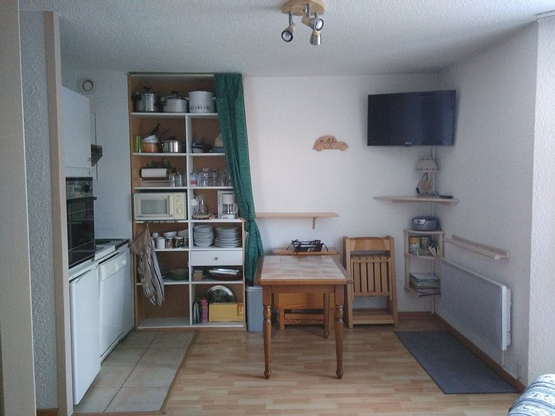 Vars Les Claux: cabin studio in the heart of the, holiday rental in Vars