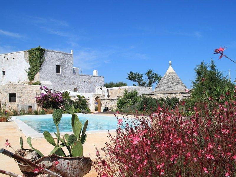 Antica masseria con piscina in Puglia - utilizzo esclusivo, alquiler vacacional en Casalini di Cisternino