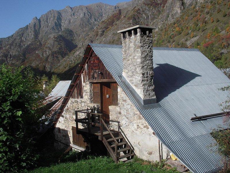 parc des Ecrins maison dans le village de Valsenestre 1300m, holiday rental in Les Cotes-de-Corps