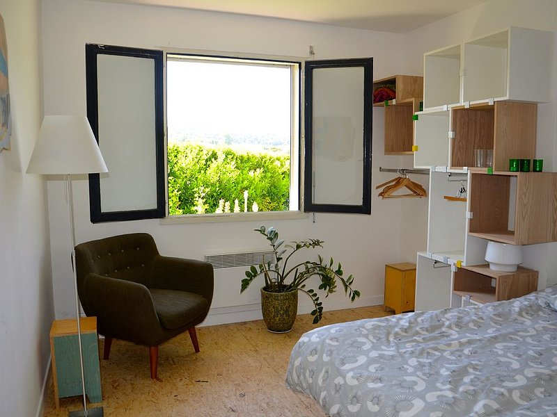 Nice two-bedroom home with pool in Provence, vacation rental in Bouc-Bel-Air