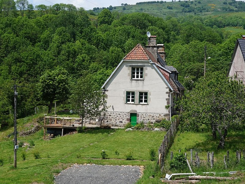 A Calm & Rural Retreat, casa vacanza a Cantal