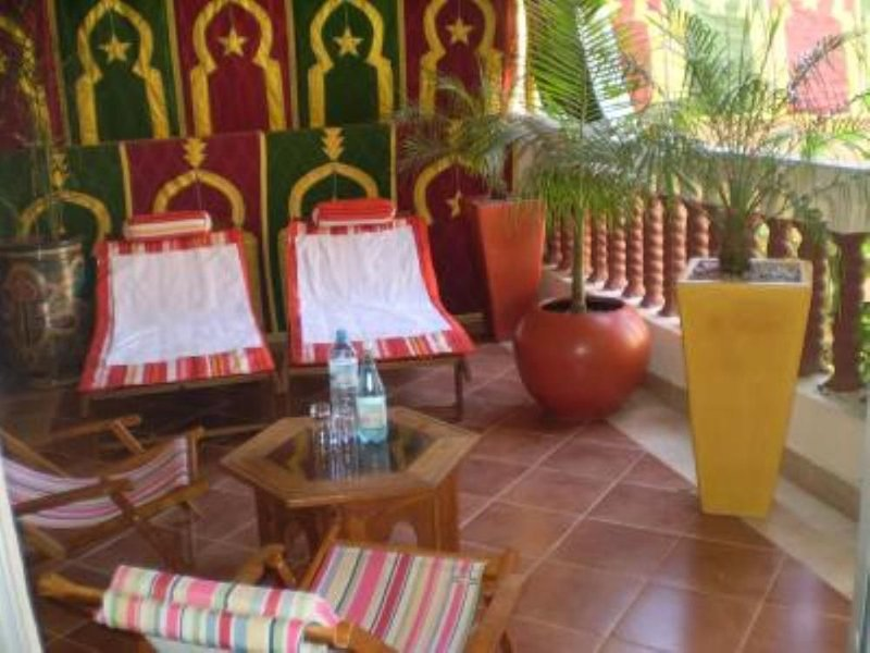 Dar Younes House with Garden and character : with tow Luxury famlily-Apartment, Ferienwohnung in Marrakesch