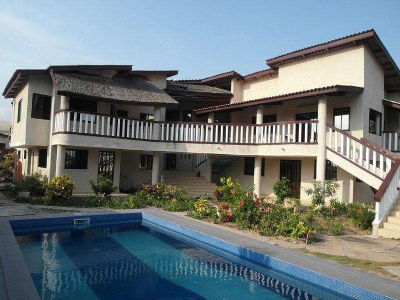 Grand Popo (Bénin): Maison de caractère avec jardin, vue panoramique et piscine, vacation rental in Vogan