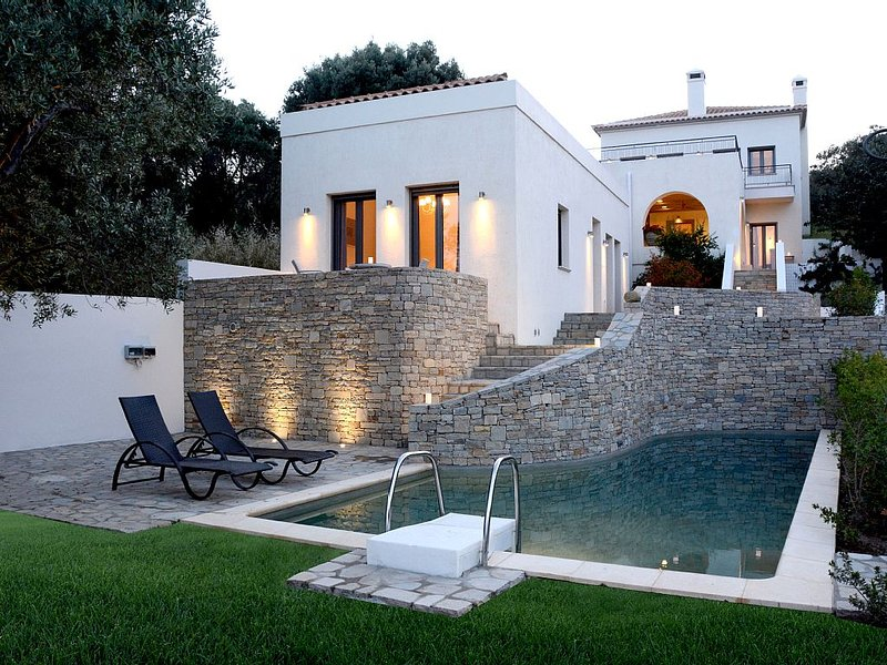 la Belle Helene villa, holiday rental in Oxilithos