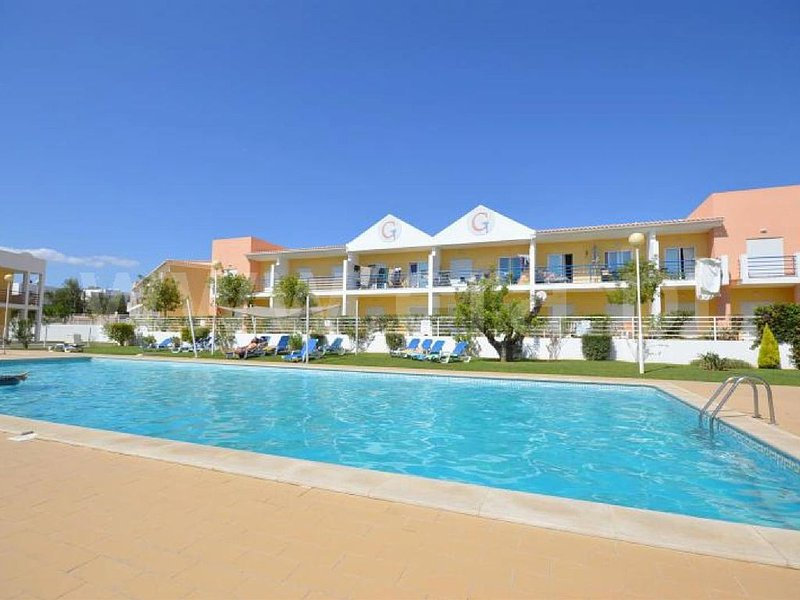 Well  equipped 2-bedroom apartment with communal pools, near the beach, holiday rental in Patroves