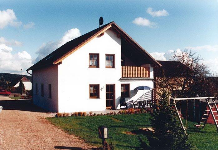 Familienfreundliche 4-Sterne-Ferienwohnung 'Tapsi', holiday rental in Hillesheim