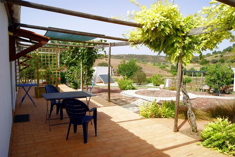 Beautiful apartment for 2, holiday rental in Sao Bartolomeu de Messines