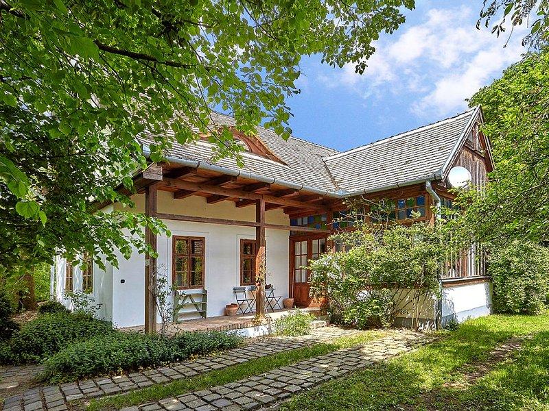 Traumhafter Urlaub in stilvollem Designer-Landhaus nahe Budapest, vacation rental in Northern Hungary