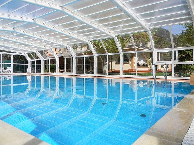 Wundeschöne Villa für 10 Personen mit privatem Pool. Garten, Terrasse., holiday rental in Casoli