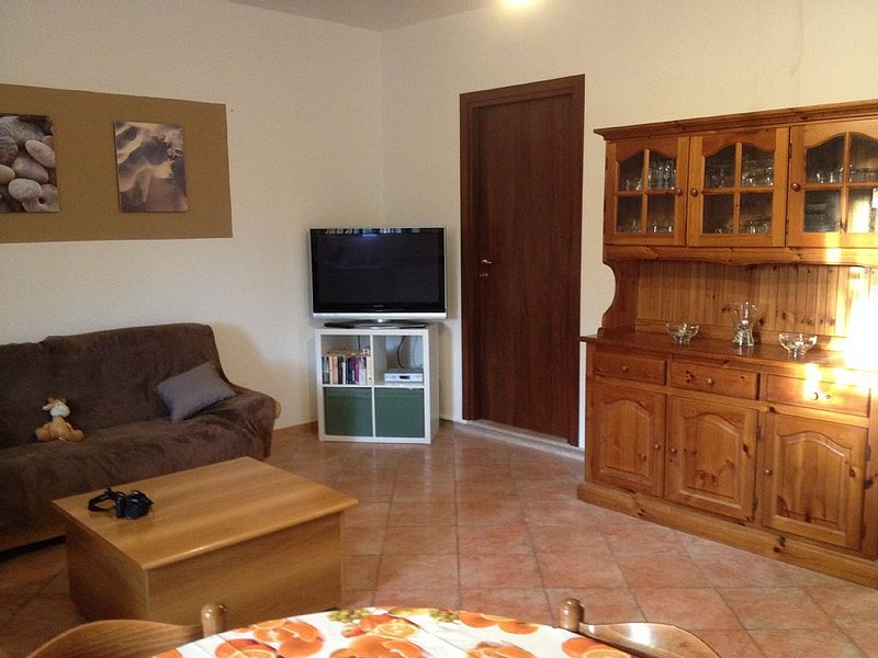 ruhig und kindgerechtes Ferienhaus in Alghero / Sardinien, holiday rental in Olmedo